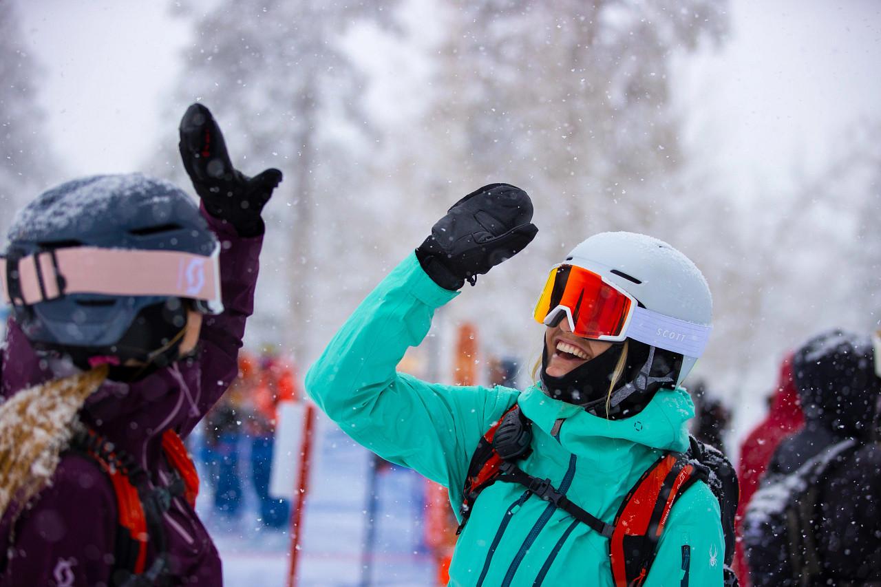 ikon-sqaw-valley-skiing