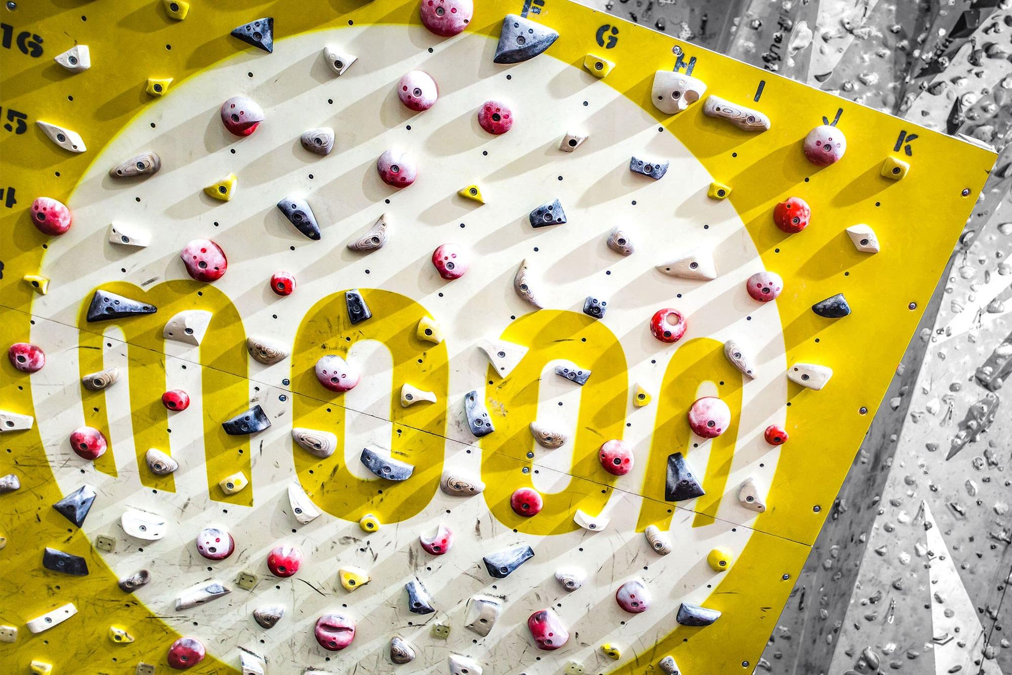 moonboard interactive climbing training board