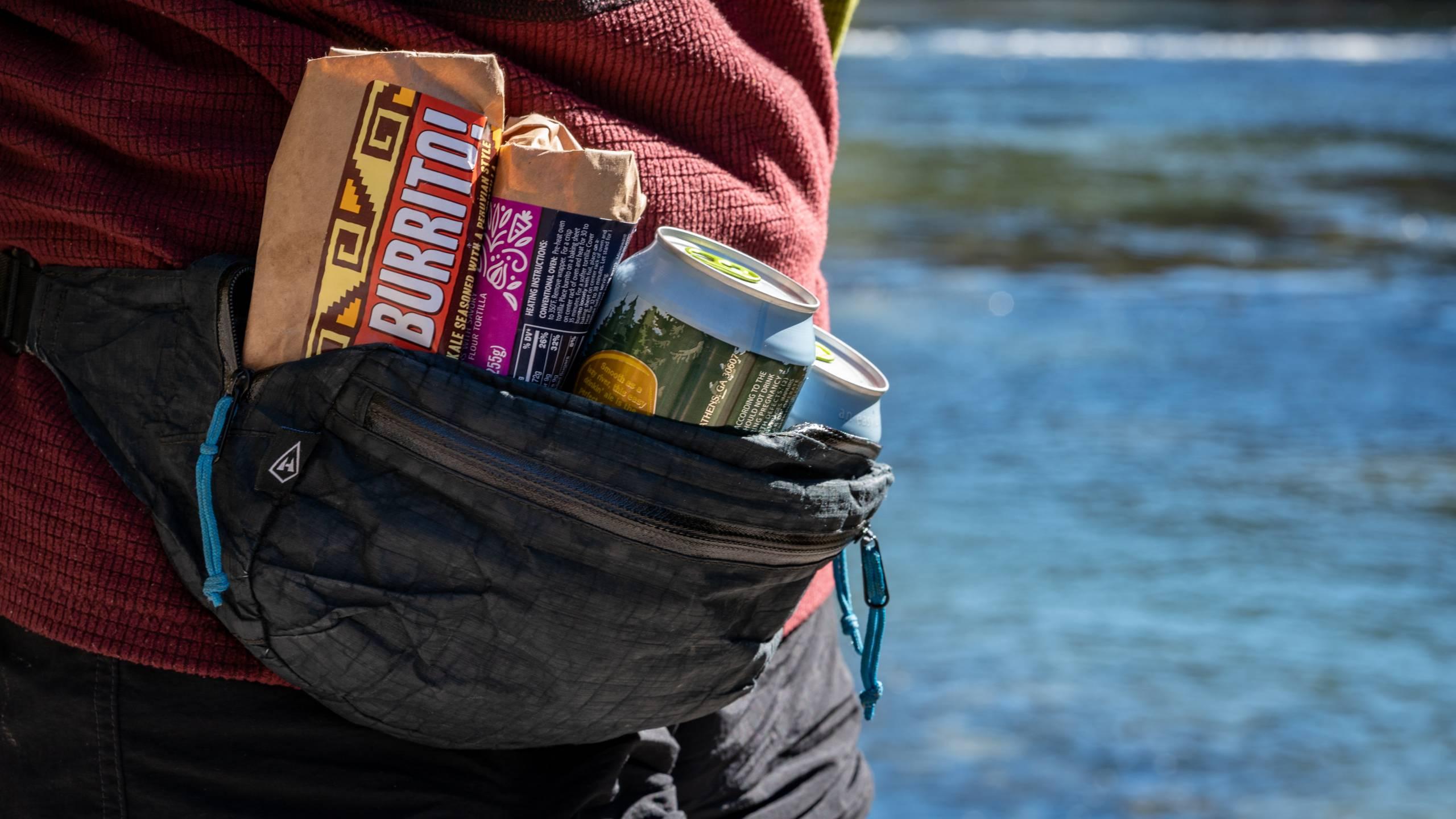 hyperlite-mountain-gear-versa-pack-lifestyle