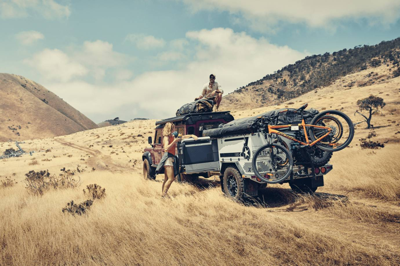 Dometic Front Runner Vehicle Outfitters
