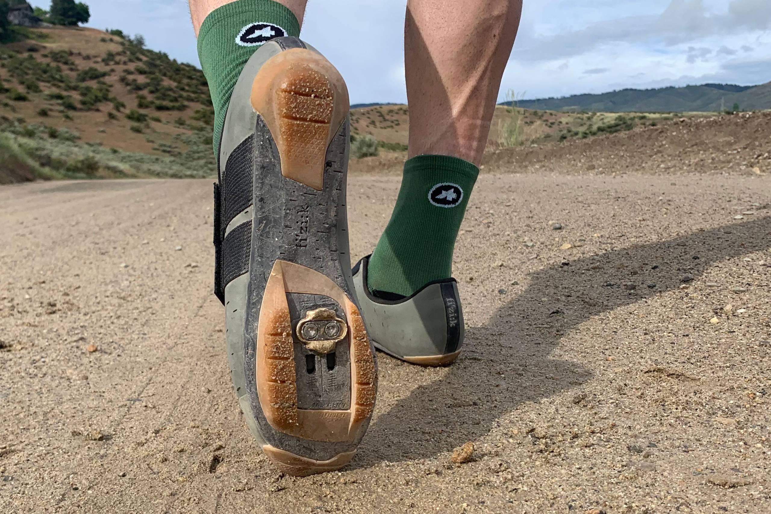GearJunkie_Best_Gravel_Shoes_2021_Fizik_Terra_powerstrap_X4_2