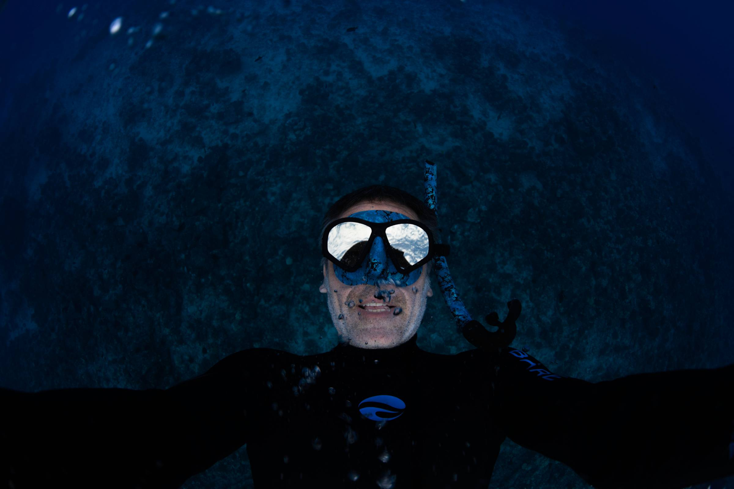 Oceanic Predator mask reflects sky