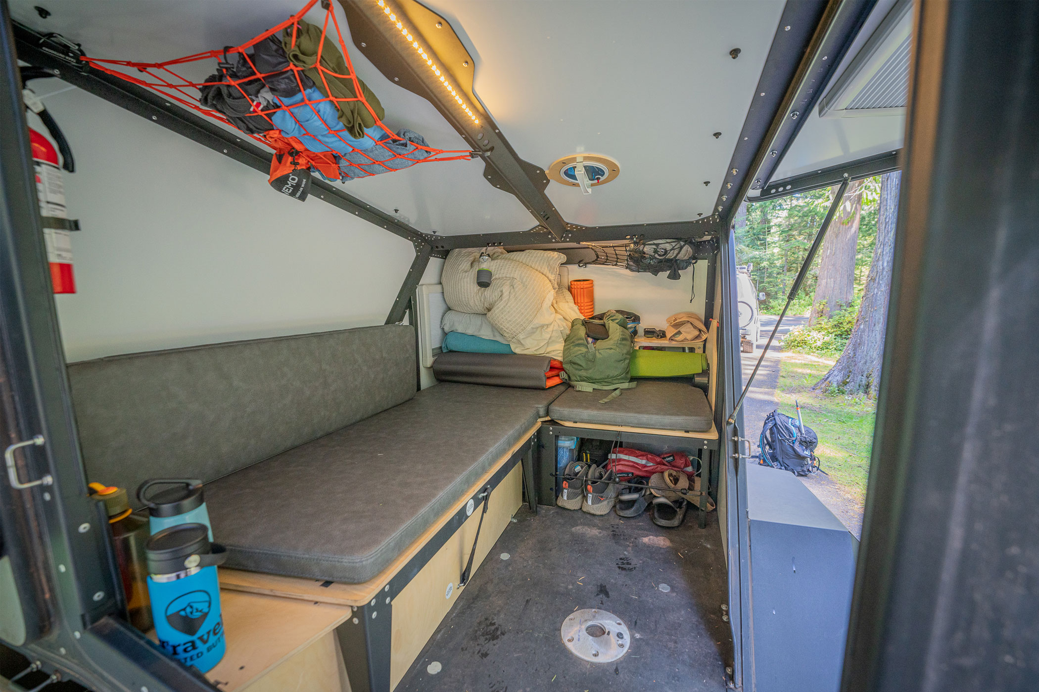 taxa outdoors tigermoth overland - bed space