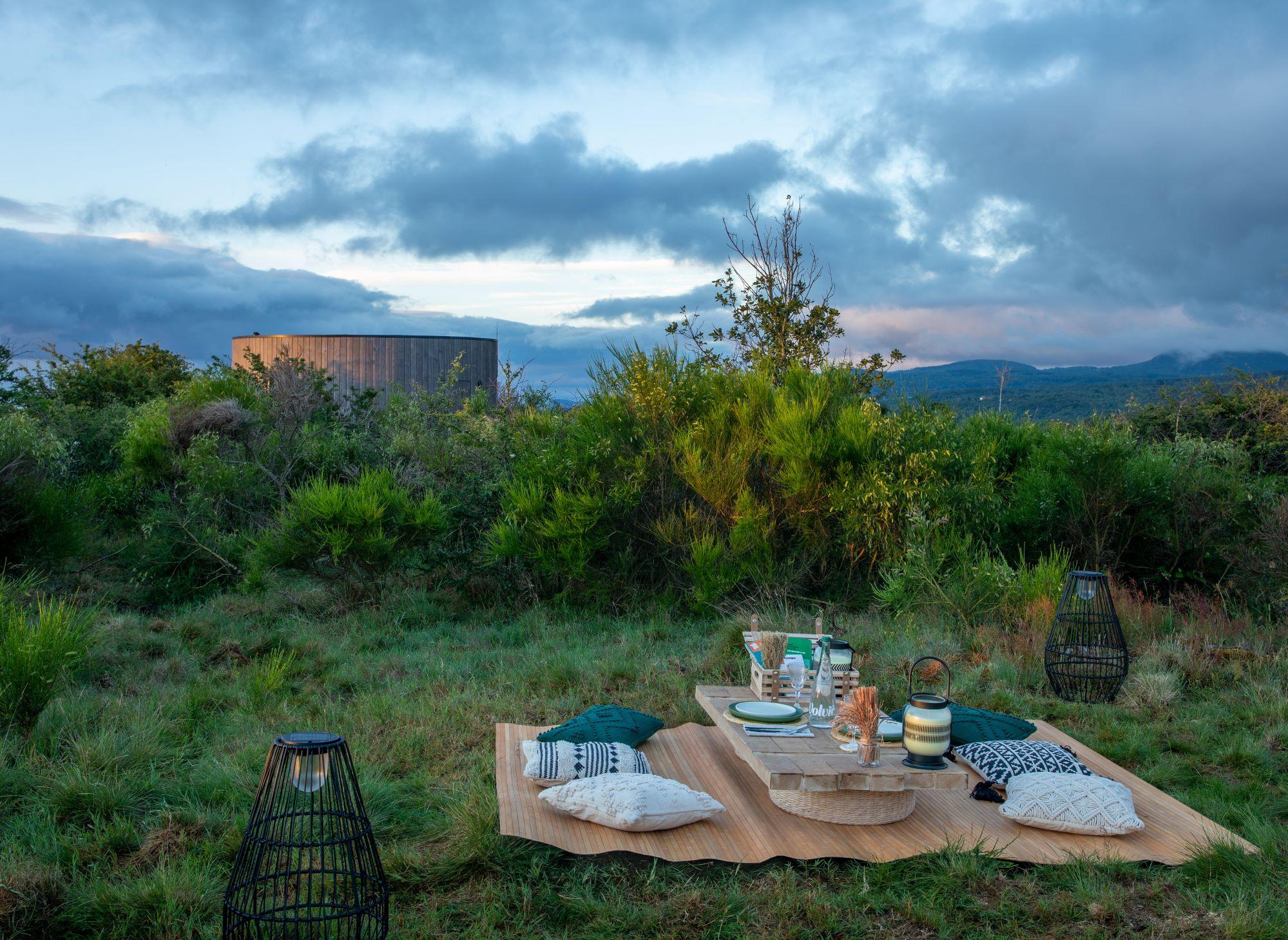 kilian jornet airbnb picnic