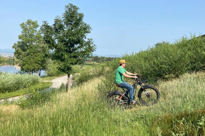 Avelon Aventure riding uphill