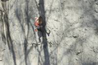 babsi zingerl klettert Route 9a in Österreich