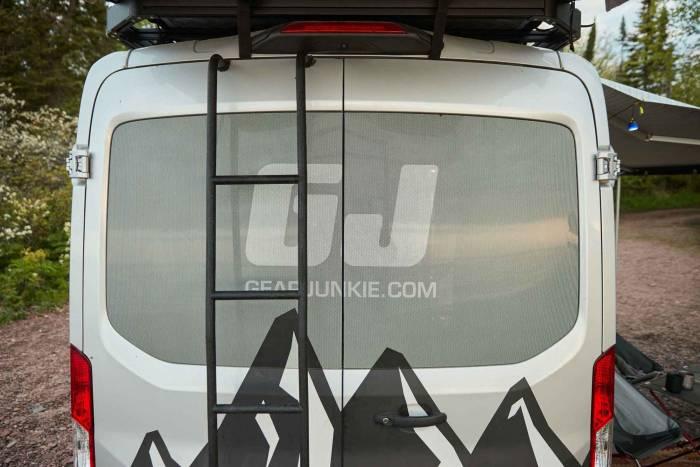 transit-van-ford-rear