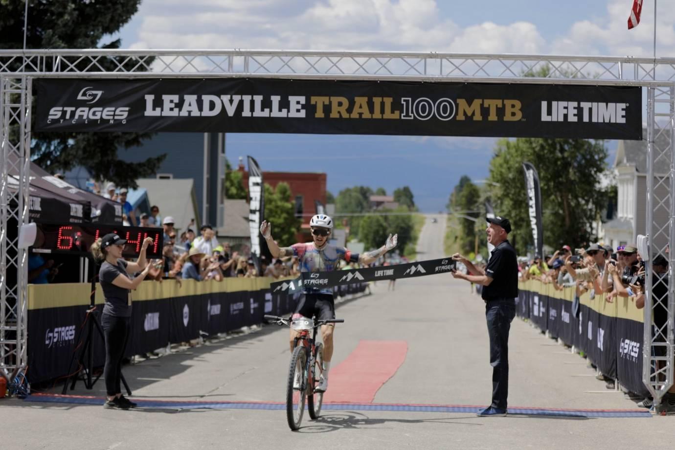 Keegan Swenson winning the 2021 Leadville MTB