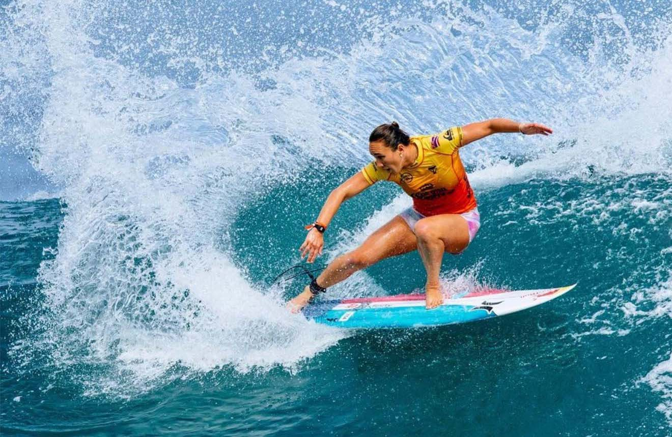 carissa moore surfing her big first wave in mexico