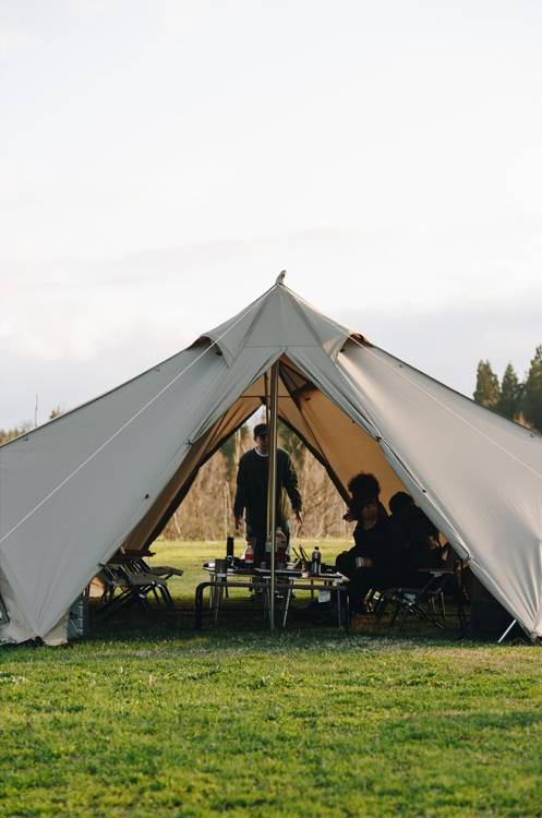 living lodge tent by snow peak