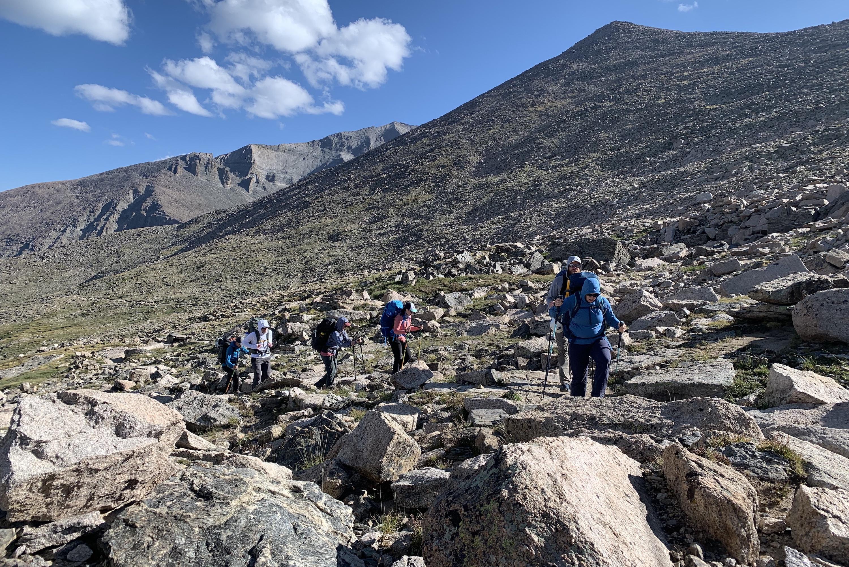 longs peak boulder hopping granite pass