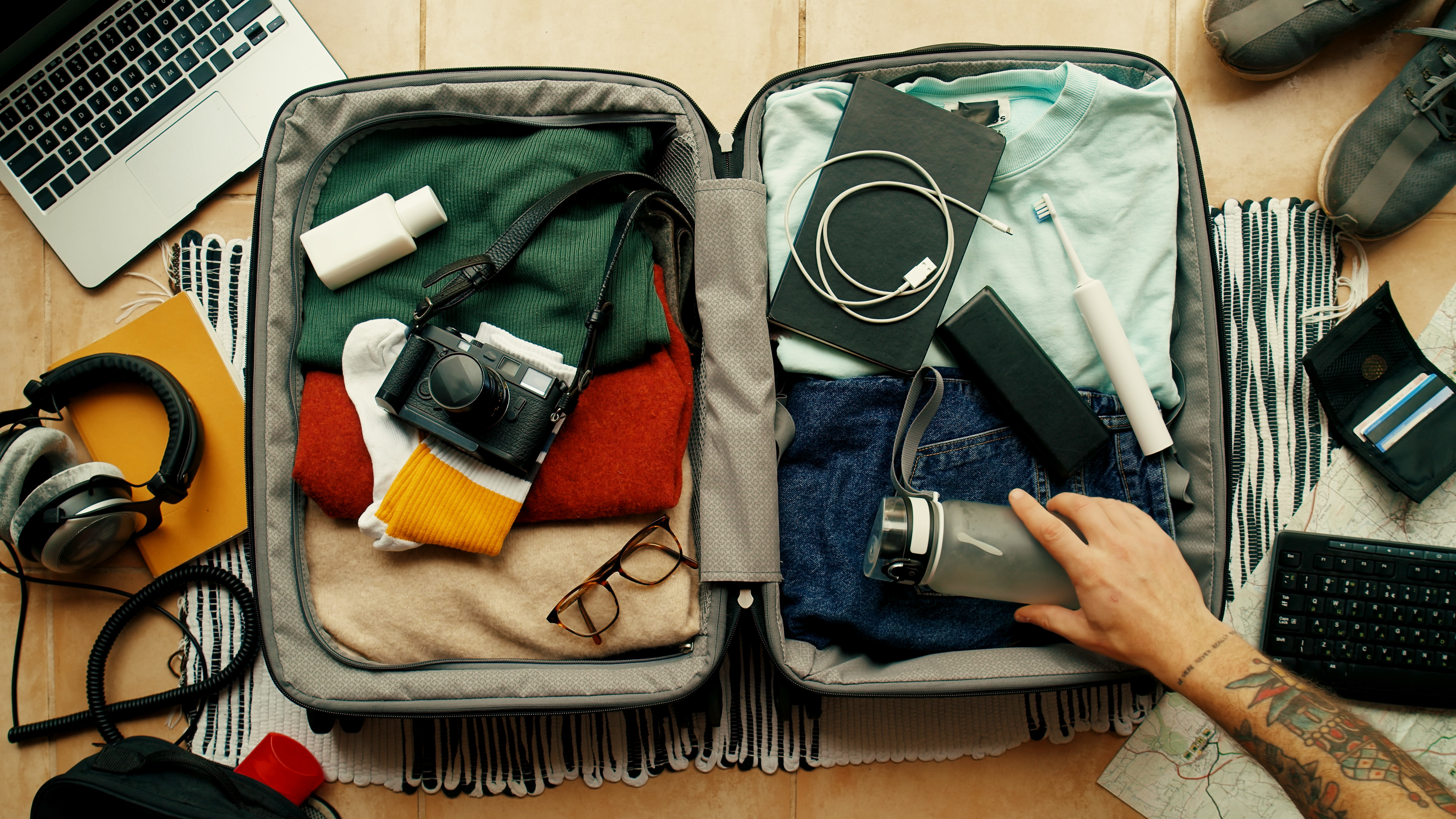 packing for domestic travel - checklist