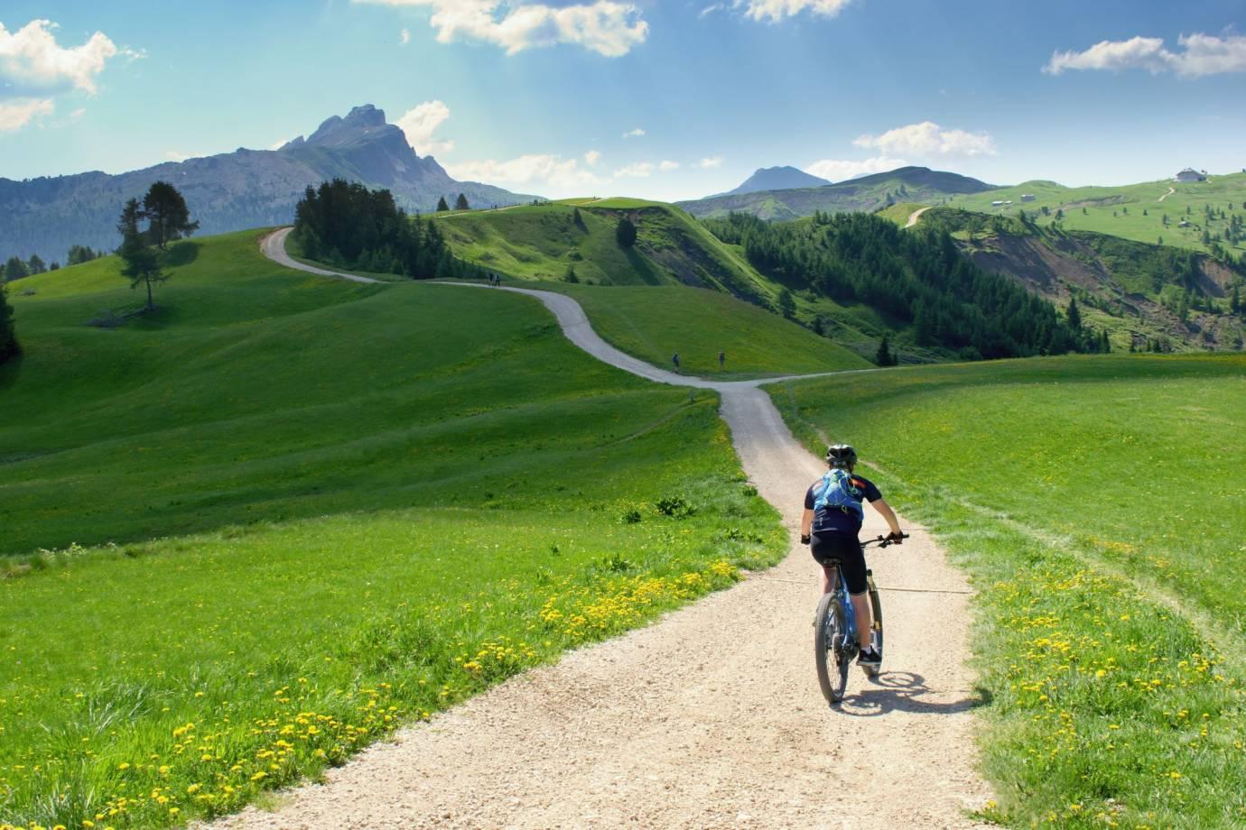 bike touring scenic