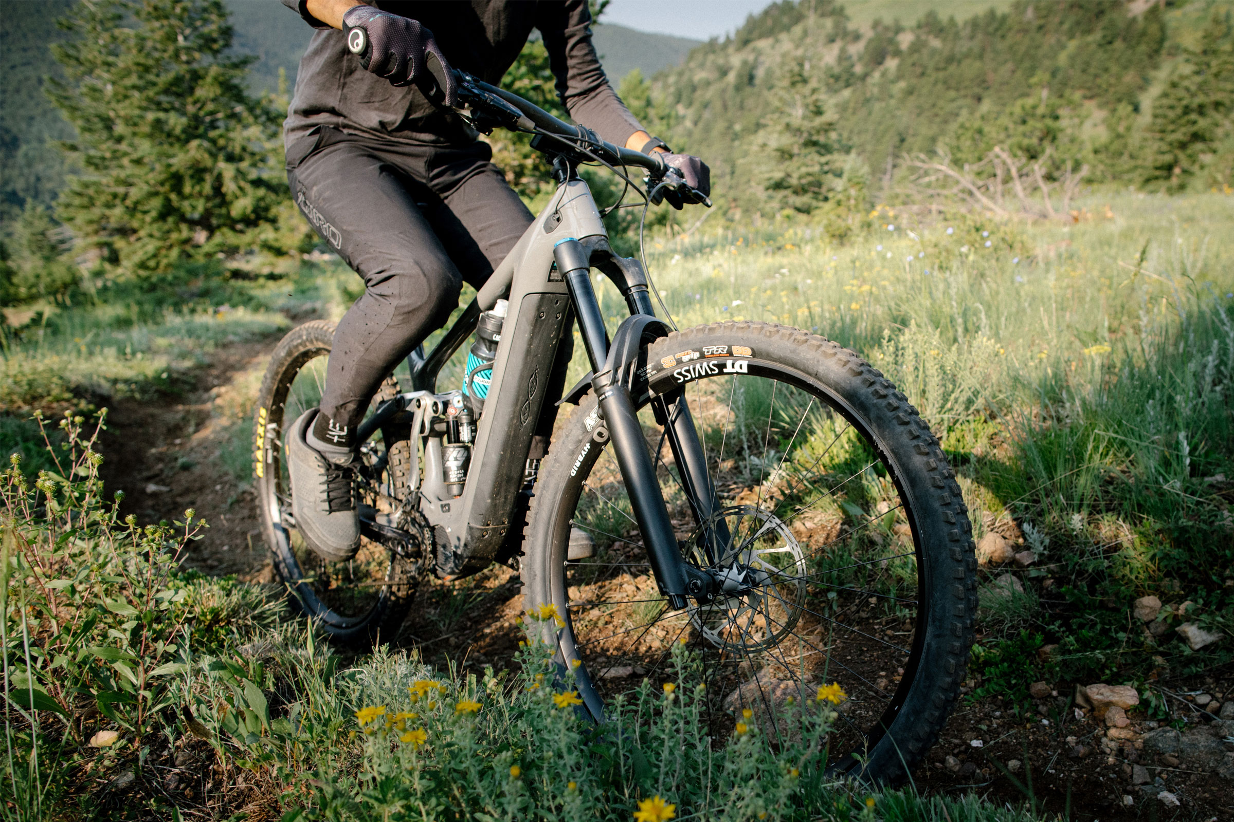 riding yeti 160 e bike
