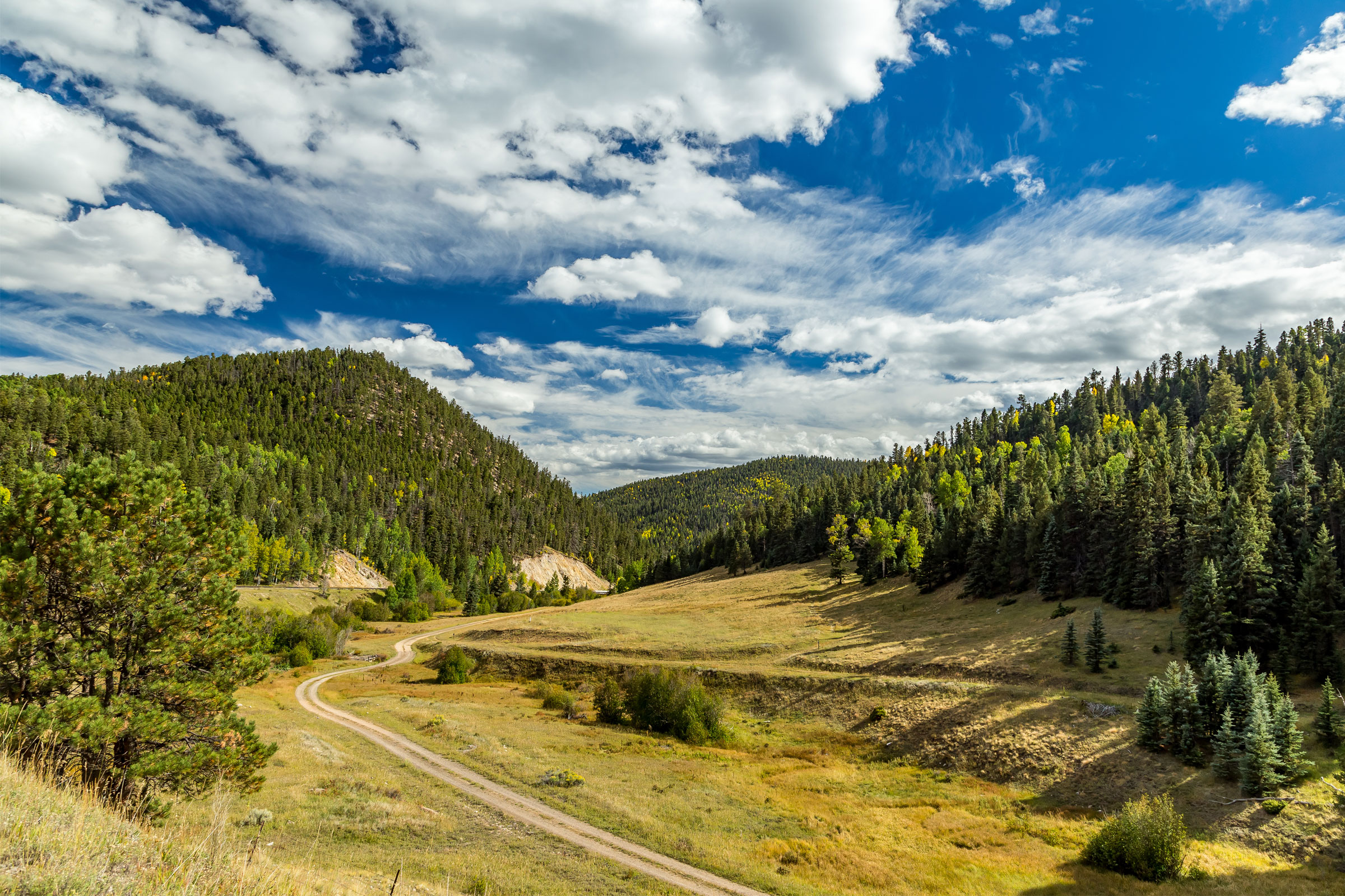 the enchanted circle scenic byway, new mexico