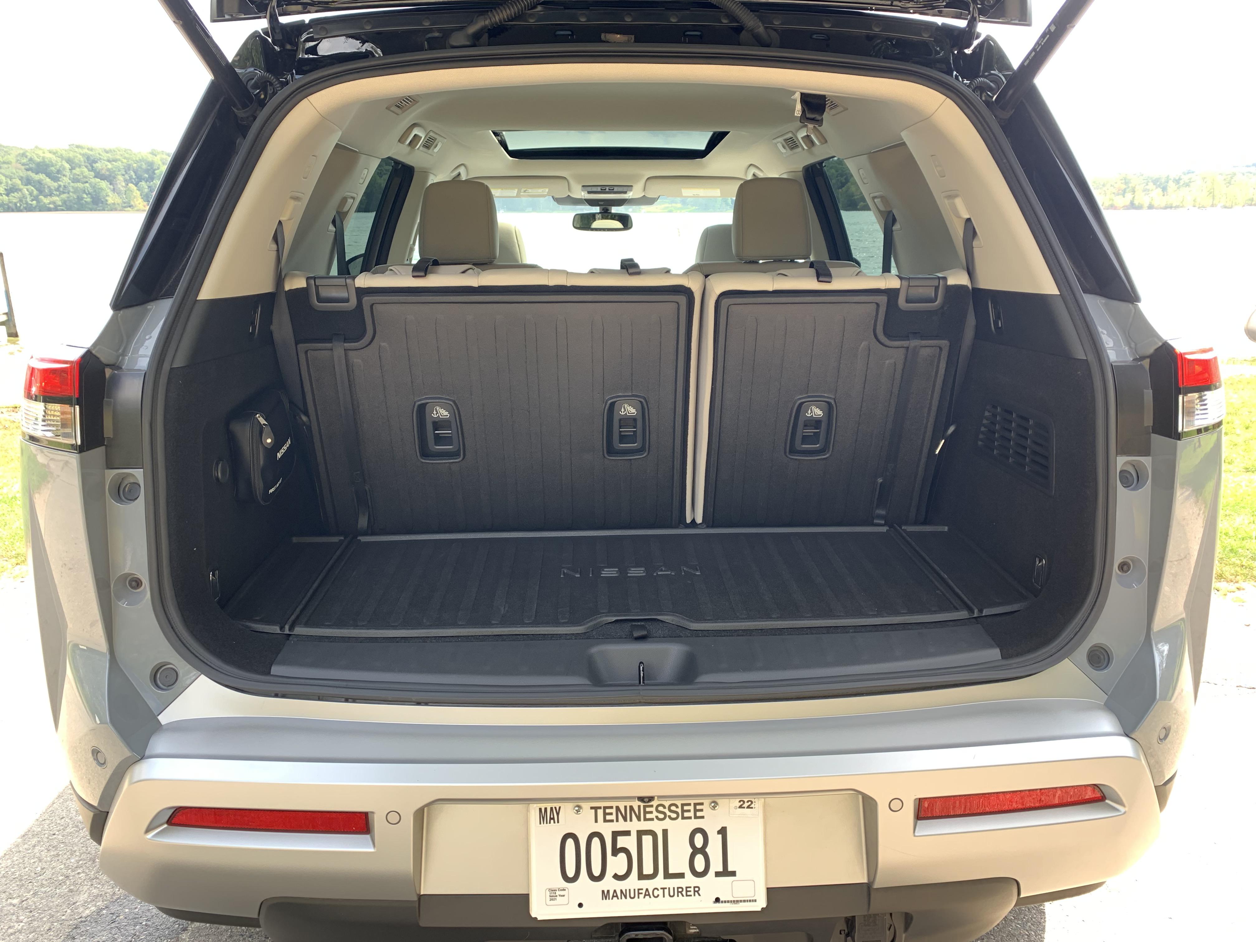 2022 Nissan Pathfinder cargo space seats up