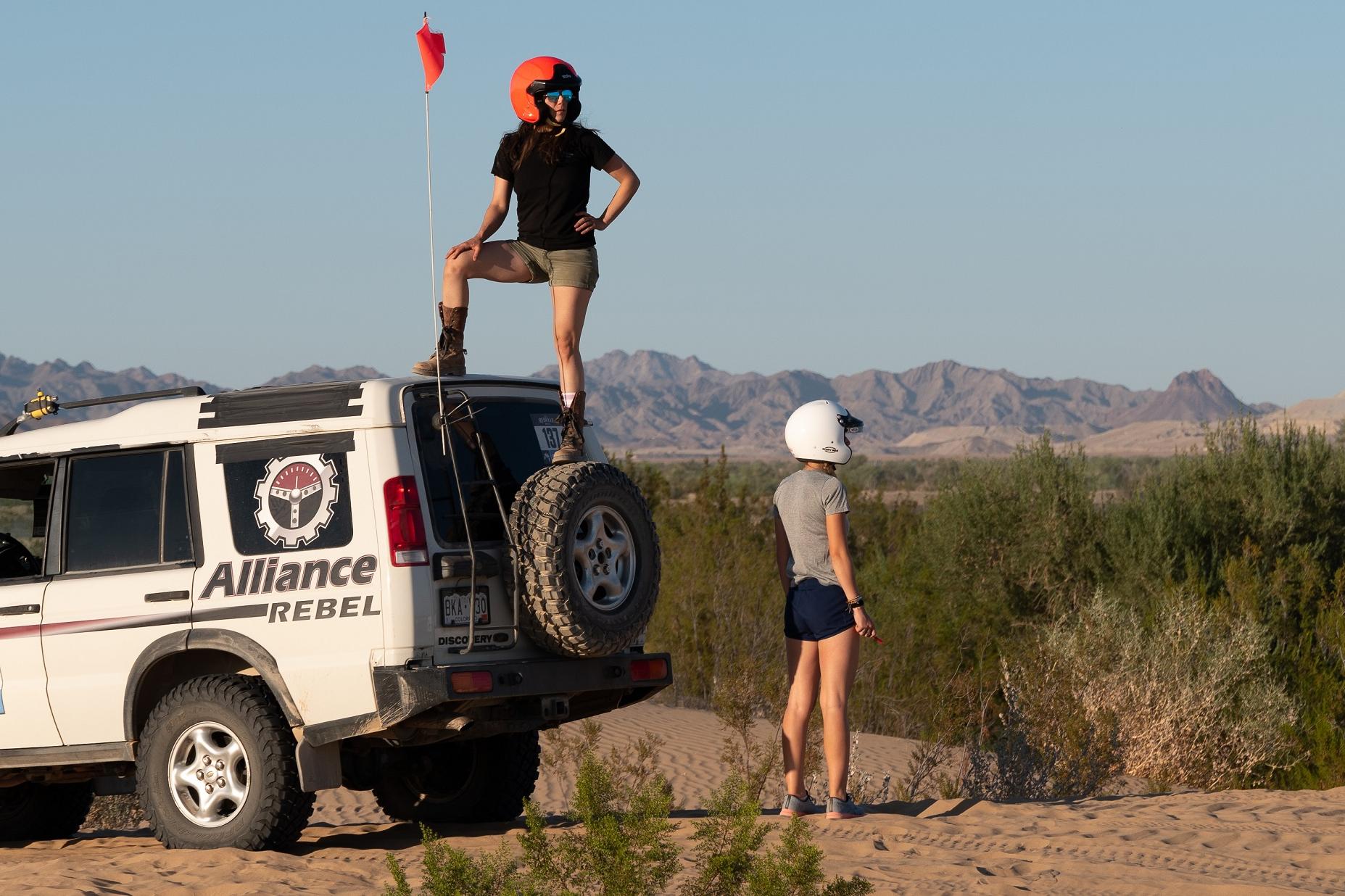 un equipo de rally rebelde de la carrera de la década de 2020
