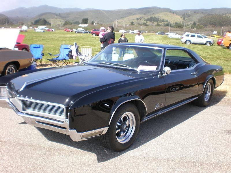 1968 Buick Rivieraon 1974 Bricklin Sv 1