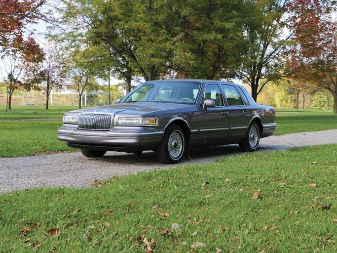 1993 Lincoln Town Car Executive Values Hagerty Valuation Tool