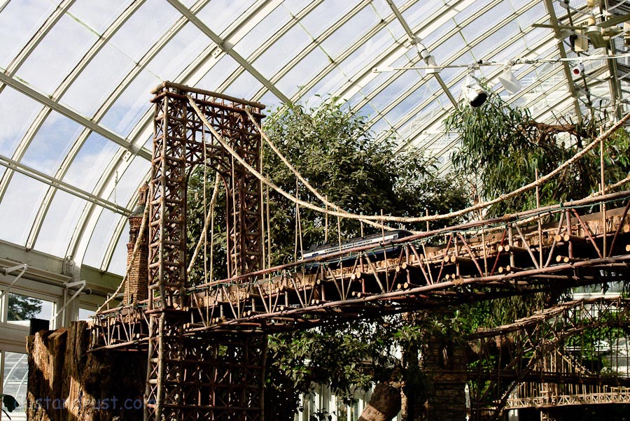 final weekend of ny botanical gardens holiday train show - Bronx Botanical Garden Train Show
