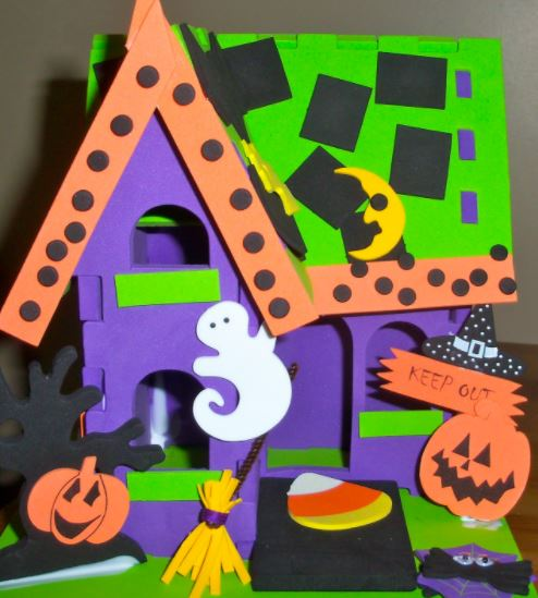 haunted house craft at new fairfield library