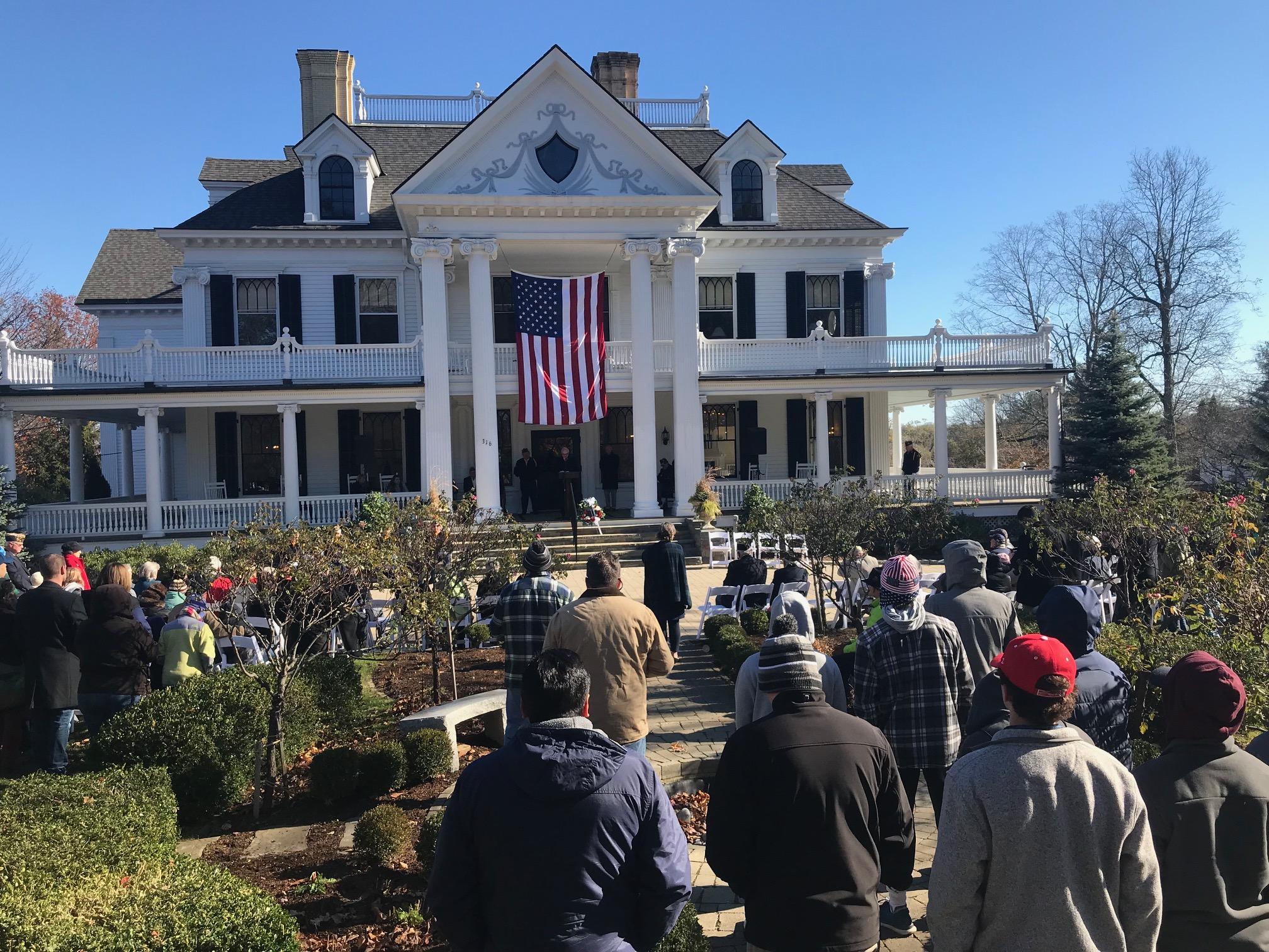 ridgefield honors veterans in word and song