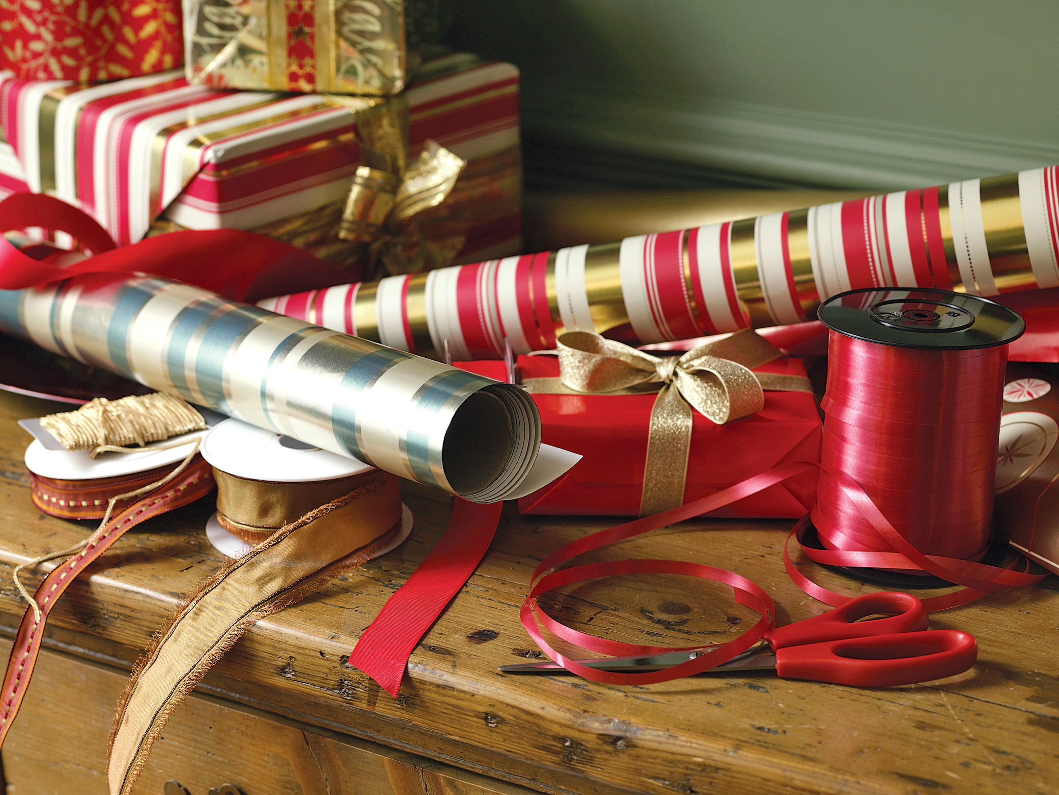 ridgefield academy students wrap your holiday gifts today at danbury