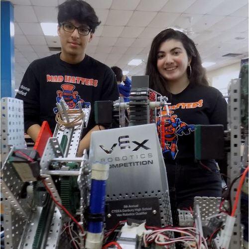 DHS Hosts Regional Robotics Competition