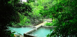 There are five spring fed pools, a sauna and a volcanic mud bath at Buena Vista Lodge.