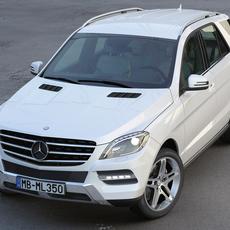 Mercedes Benz ML Class 2013 3D Model