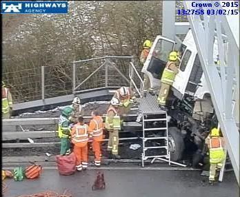 M1 J12-J13 cross over Fire Service HGV 1