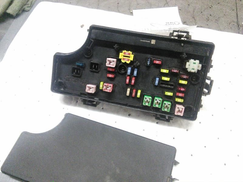 fuse box engine engine compartment without turbo fits 06 ... 2001 chrysler pt cruiser fuse box