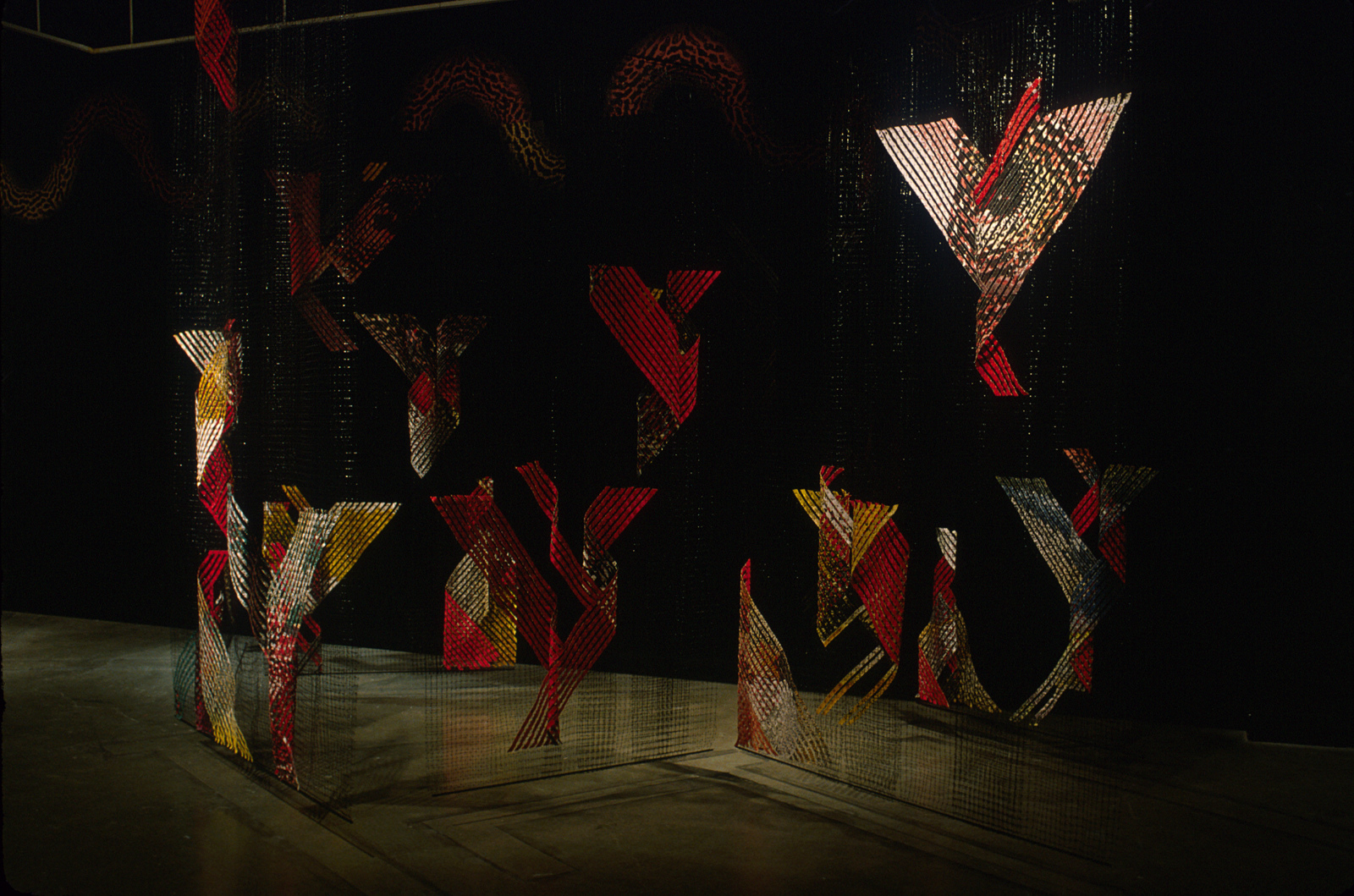 GERHARDT KNODEL Installation Work 1989-1997 Walls, a gallery installation