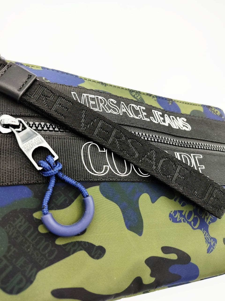 nylon  camouflage macrologo zip VERSACE JEANS COUTURE | Pochette | E3YWAPA271897MGR