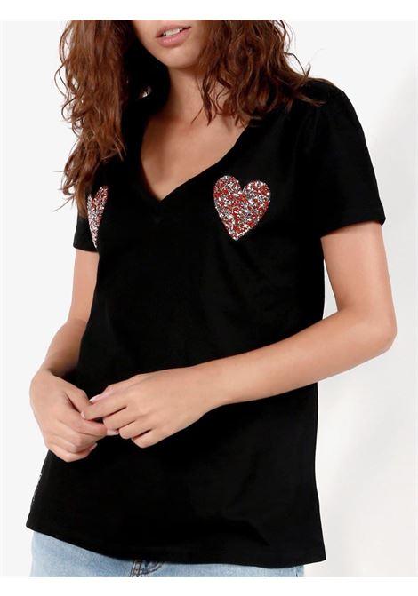 scollo v cuori al seno GIO CELLINI | T-shirt | TSH023NE