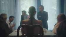 Niia 'Face' music video
