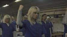 HollySiz 'Rather Than Talking' music video