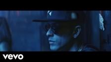 Yandel 'Loba' music video