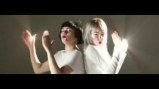 The Magnettes 'Bones' music video
