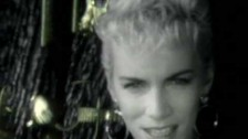 Eurythmics 'Miracle Of Love' music video