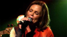 Belinda Carlisle 'Sun' music video