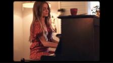 Sophie Morgan 'Hey Annie' music video