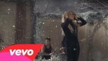 Shakira 'Sale El Sol' music video