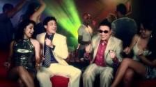 Elvis Crespo 'Vallenato En Karaoke' music video