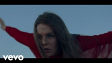 Maggie Rogers 'Fallingwater' music video