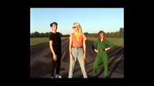 The Regrettes 'California Friends' music video