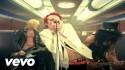 Velvet Revolver 'Dirty Little Thing' Music Video