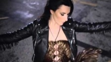 Laura Pausini 'Lado Derecho del Corazón' music video