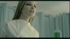Cécilia Cara 'Je t'aime plus qu tout' music video