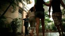 Eros Ramazzotti 'No Estamos Solos (Non Siamo Soli)' music video